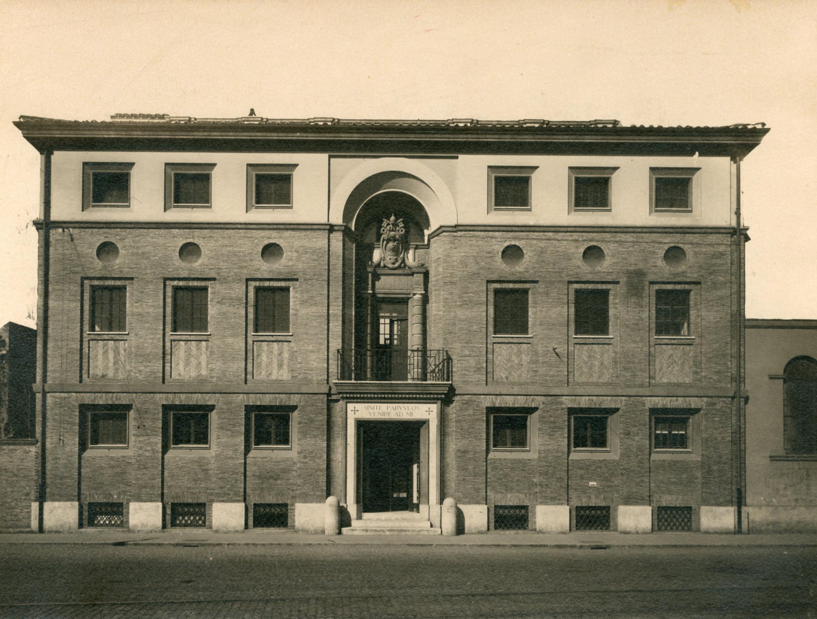Trasformazione e ampliamento dell'ex-caserma Serristori a scuola pontificia in  via Fosse di Castello, Roma
