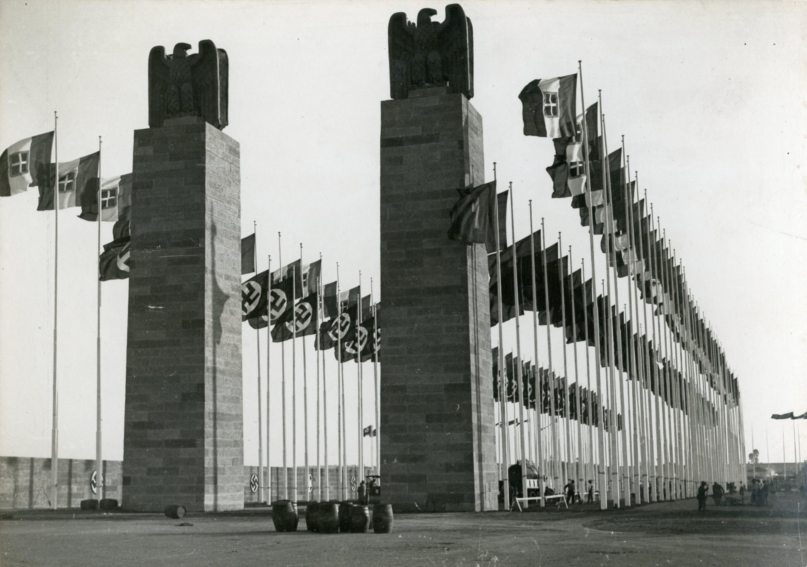 Sistemazione del campo aereo di Centocelle per la venuta di Hitler a Roma